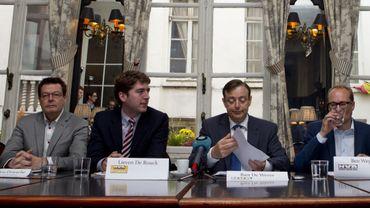 Le candidat N-VA à Bruxelles Johan Van den Driessche, à l'extrême gauche, conserve son siège, mais la liste régresse.