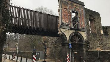 Les arcades attendent leur reconstruction depuis l'accident de 2013. Un autre accident survenu en décembre 2018 a fait tomber ce qui avait résisté il y a six ans.
