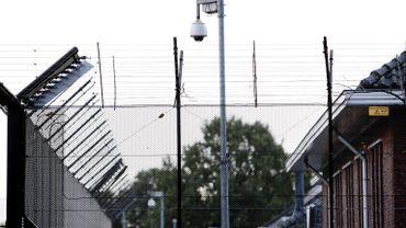 La prison de Tilburg qui accueille des prisonniers belges pourrait être fermée.