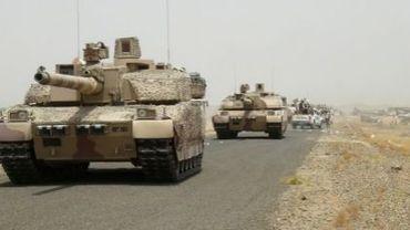 Les forces loyalistes approchent de la base militaire de Al-Anad située dans la province de Lahj au sud du Yémen, le 3 août 2015