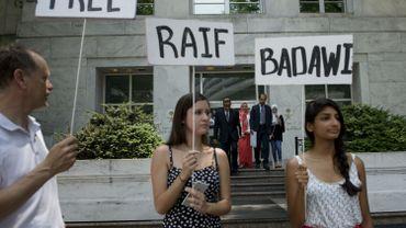 Campagne citoyenne en faveur de la libération de Raif Badawi, bloggeur saoudien condamné à la prison et à 1000 coups de fouet.