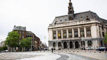 L'Hôtel de ville de Charleroi.