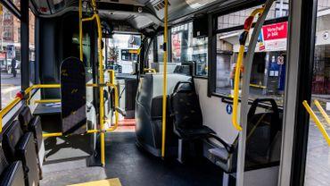 """L'intérieur d'un bus """"De Lijn"""""""
