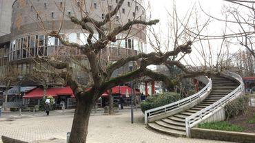 La passerelle des Chiroux Place des Carmes