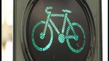 Aller à vélo jusqu'à l'arrête de bus en toute sécurité