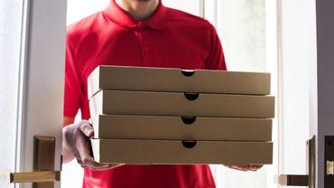 9 ans qu'il reçoit des pizzas qu'il n'a jamais commandées