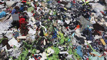 Pourquoi les vêtements sont-ils si compliqués à recycler ?