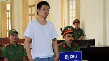 Vietnam : un jeune internaute condamné à huit ans de prison pour ses opinions démocrates