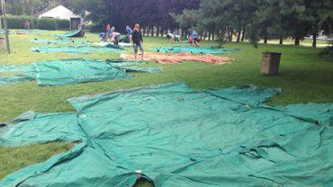 Toutes les tentes sont vérifiées une par une