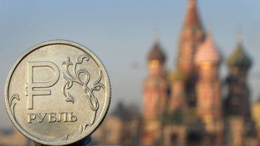 Russie: les autorités disent avoir la situation sous contrôle après un plongeon du rouble