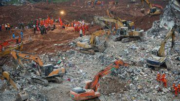 Chine: un responsable se suicide après le glissement de terrain de Shenzhen