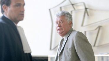 L'homme d'affaires carolo Robert Wagner en compagnie de son avocat.