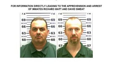 Photos fournies par la police de l'Etat de New York montrant les deux évadés de la prison de Dannemora Richard Matt (g) et David Sweat (d)