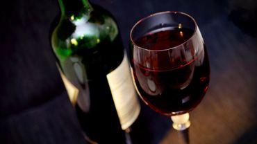 Confinement - Devenons-nous tous alcooliques ? L'UCL lance une grande enquête publique