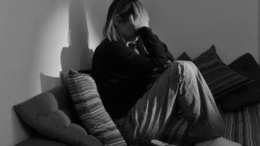 Un hôtel à Bruxelles pour accueillir les femmes victimes de violences familiales ou conjugales, un lieu sûr loin de la violence subie au sein du foyer .