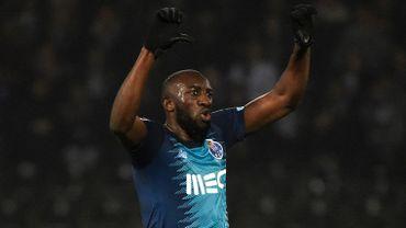 Marega avait quitté la pelouse en faisant des pouces vers le bas, puis des doigts d'honneur aux supporters de Guimarães, coupables de cris racistes