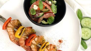 Les recettes de Leslie: Salade grecque et brochette de scampis marinés