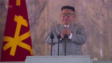 Le dirigeant nord-coréen Kim Jong Un lors du défilé de ce samedi.