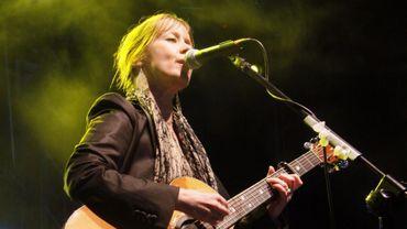 La chanteuse et musicienne américaine Suzanne Vega sera présente aux Fêtes de Gand