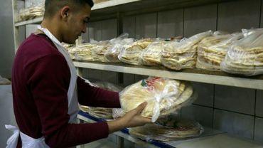 Employé d'une boulangerie dans le centre d'Amman, le 27 janvier 2018