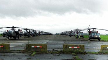 89 hélicoptères américains de type Apache, venus du Texas, étaient ce mardi sur la base de Chièvres
