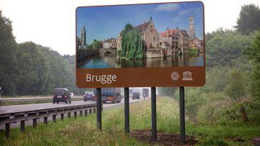 Visitez Bruges, ses canaux, son beffroi et -bientôt- son pipeline à bière.