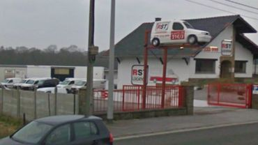 Le dépôt de RST est situé le long de la N5, à Tarcienne.