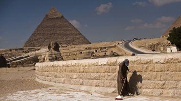 La pyramide de Gizeh - Les Egyptiens appellent les touristes à revenir