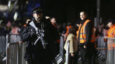 Les policiers et militaires seront en nombre également à Liège, sur l'esplanade Saint-Léonard. Il y aura aussi de nombreux contrôles, tout comme à Tournai et à Namur où un feu d'artifice est prévu.