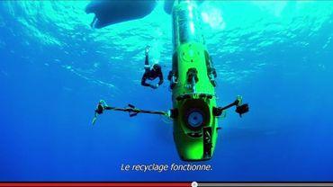 James Cameron est devenu le premier homme à plonger en solitaire au fond de la fosse des Mariannes