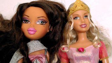 Les poupées effrayantes détrônent la célèbre Barbie