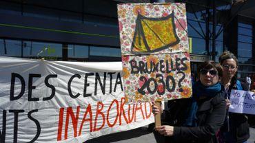 Différentes associations étaient à l'initiative de cette action parmi lesquelles Bruxelles Laïque, Inter-Environnement Bruxelles (IEB), le MOC Bruxellesle réseau ADES et Vie Féminine Bruxelles.
