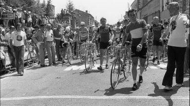 En 1978, Bernard Hinault emmène les grévistes vers la ligne d'arrivée.