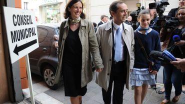 Le nouveau maire avec sa femme Emmanuelle Duverger et la fille de celle-ci lors son électrion le 4 avril