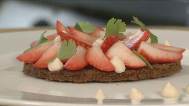 Tartelettes aux fraises sur fond de spéculoos  !