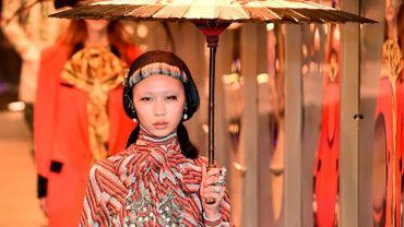 Mode à Milan: Gucci plébiscité pour son défilé flamboyant