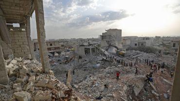 Syrie: trente-huit civils tués dans des raids nocturnes sur Idleb attribués à l'aviation russe
