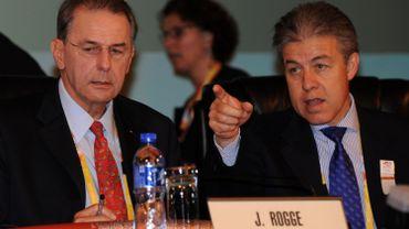 Urs Lacotte, ancien bras droit du Belge Jacques Rogge, estime que le CIO a manqué d'empathie en ne prenant pas position plus rapidement par rapport aux Jeux de Tokyo 2020.