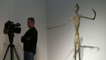 """L'homme au doigt"", d'Alberto Giacometti"