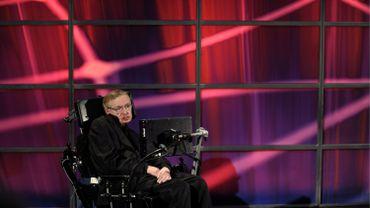 Stephen Hawking lance un vaste programme pour trouver une intelligence extraterrestre