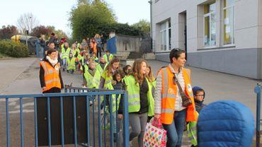 Le pedibus des enfants de l'école Notre-Dame d'Acoz