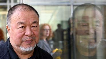 """Des mémoires très attendus par les amateurs d'art. Ai Weiwei publiera son autobiographie, """"1000 Years of Joys and Sorrows"""", en novembre."""