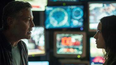 """George Clooney donne la réplique à Britt Robertson dans """"À la poursuite de demain"""""""