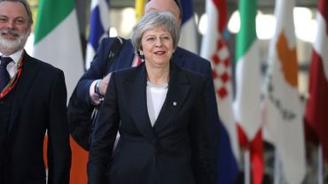 """Brexit: les 27 cherchent à clarifier le """"backstop"""" pour aider Theresa May"""