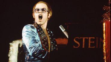 Elton John partage des concerts