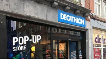 Le pop up store n'offre qu'un petit échantillon des produits Décathlon, choisis spécialement pour la période des fêtes et des soldes de janvier.