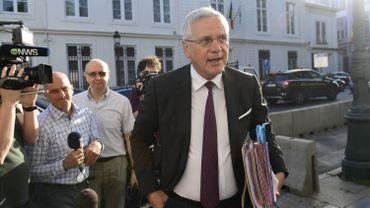 """""""Les personnes en RCC ne prennent pas leur pension"""", assure le ministre en réaction à une interpellation de la N-VA dans le dossier Carrefour."""