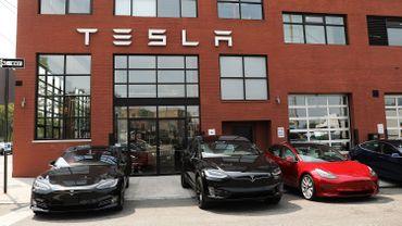 Tesla confirme être dans le viseur de la justice américaine, l'action recule en Bourse