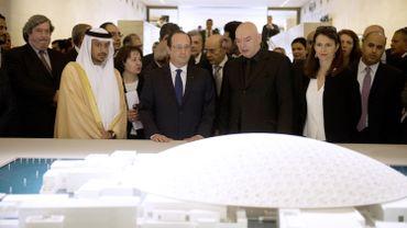 François Hollande en visite au Louvre Abou Dhabi
