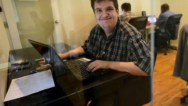 Corey Weiss, autiste, travaille comme analyste à Mindspark à Santa Monica, le 24 août 2016